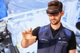 BMW-Augmented-Reality-used-for-prototypes-9